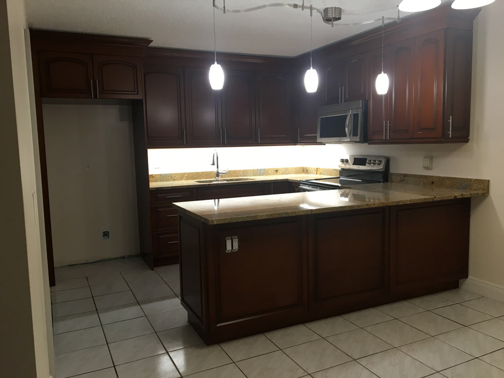 New Townhouse for rent 2BR/2BA